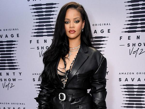 Rihanna Dikecam Pakai Lagu Hadis Untuk Fashion Show Pakaian Dalam