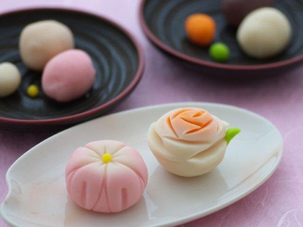 Wah, Berbagai Hidangan Ini Terbuat dari Bunga Sakura