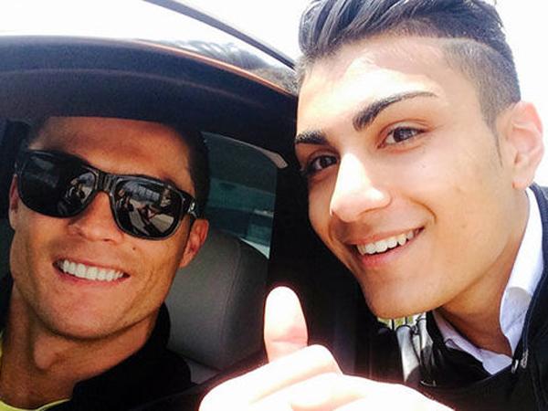 Selain Tiru Penampilan, Fans Fanatik Cristiano Ronaldo Ini Ikuti Kemanapun Idolanya Pergi
