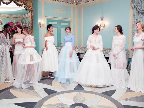Tengok Cantiknya Tren Gaun Pengantin Musim Semi dari Bridal Fashion Week 2016