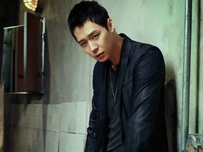 Yoochun JYJ Latihan Jadi Bodyguard Untuk 'Three Days'