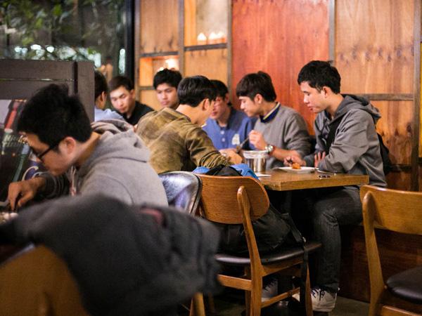 Bukan Minum Alkohol, Ini Yang Jadi Kebiasaan Baru Anak Muda Korea Selatan