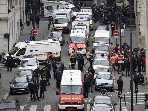 Tersangka Penembakan Maut di Kantor Majalah Charlie Hebdo Paris Serahkan Diri ke Polisi