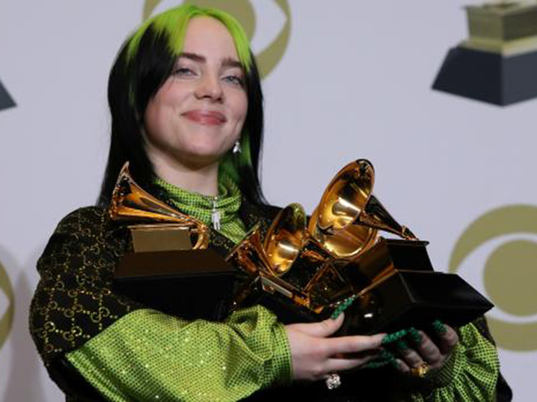 76billie-eilish-grammy-2020.jpg