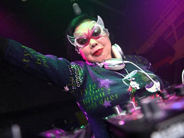 DJ Populer Asal Jepang Ini Kejutkan Netizen dengan Usianya!
