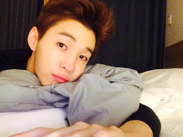 Henry Super Junior-M Minta Fans Sasaeng Untuk Berhenti Meneleponnya!