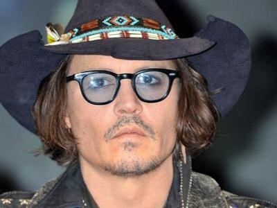 Gangguan Serius, Mata Johnny Depp Nyaris Buta