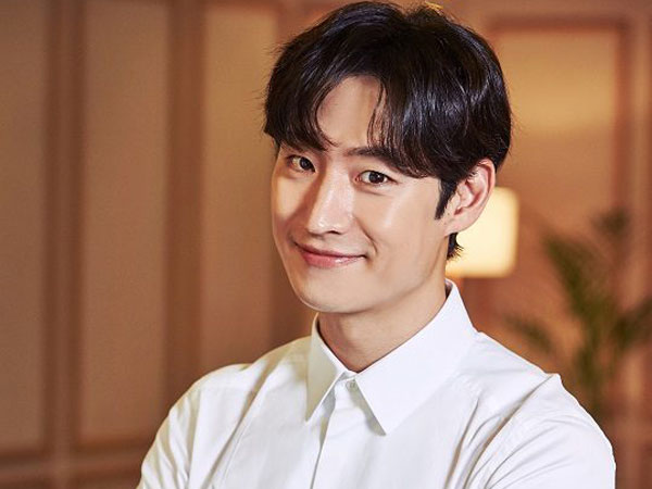 Dirikan Perusahaan Produksi, Lee Je Hoon Siap Produseri Film Pertamanya