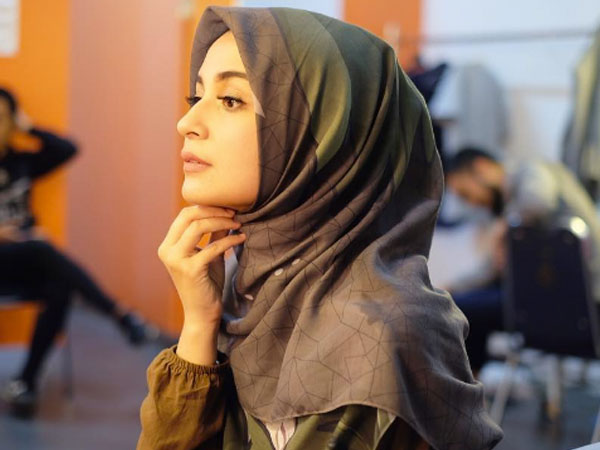 Yuk Permudah Mix and Match dengan Warna 'Wajib' Jilbab untuk Hijabers