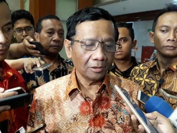 Kata Mahfud MD Soal 8 Orang Terduga Jaringan Bom Bunuh Diri Polrestabes Medan