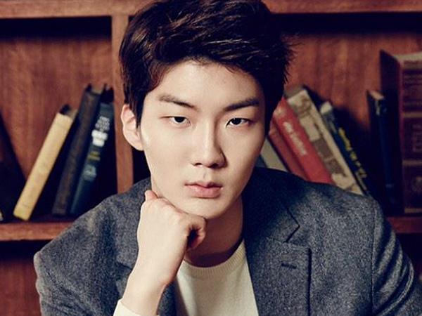 Terus Absen di Jumpa Fans dan 'Golden Disk Awards', Seunghoon WINNER Buat Fans Khawatir