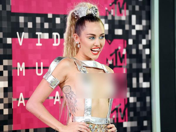 Usai Jadi Host di MTV VMA 2015, Miley Cyrus Bagikan Album Barunya Secara Gratis