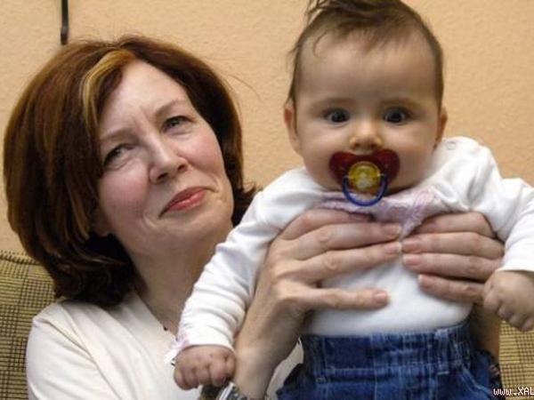 Wanita 65 Tahun Ini Punya 13 Anak dan Sedang Hamil 4 Bayi Kembar!