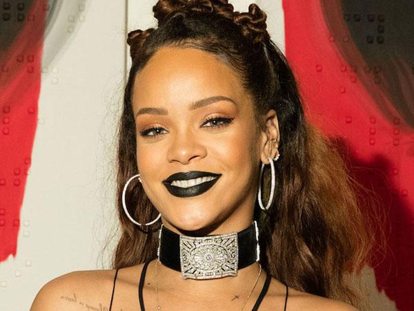 Tur Dunia Dimulai, Rihanna Rilis Clip Rehearsal!