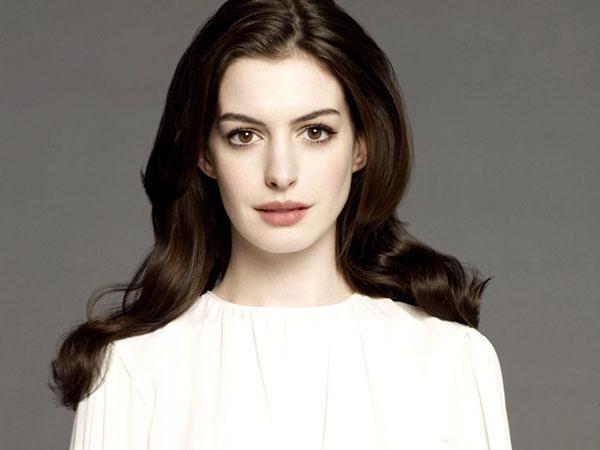 Anne Hathaway Ingin Pensiun dari Dunia Hiburan, Apa Alasannya?