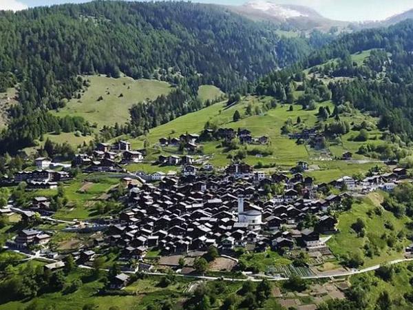 Setiap Orang yang Pindah ke Desa Ini Diberi Hadiah Nyaris 1 Miliar, Minat Bergabung?