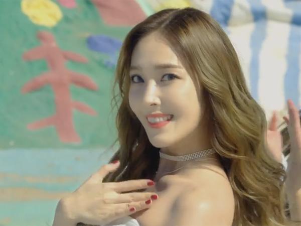 Resmi Debut Solo, Cantik dan Cerianya Jessica Jung di Video Musik 'Fly'