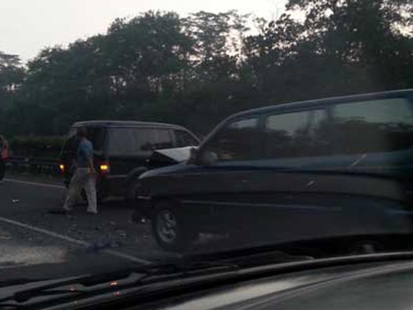 15 Mobil Terlibat Kecelakaan Beruntun di Tol