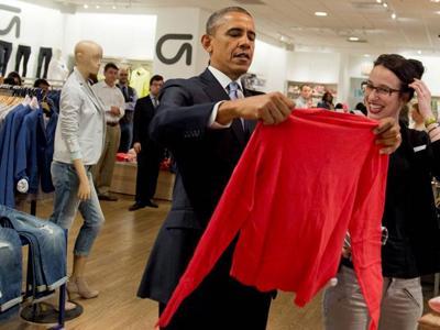 Wah, Presiden Obama Belanja Sendiri Baju Untuk Keluarga di Toko GAP
