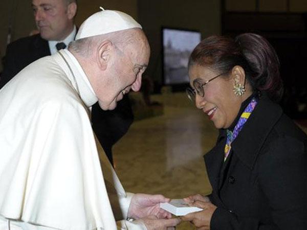 Dukungan Paus Fransiskus Kepada Menteri Susi dalam Menjaga Laut Indonesia