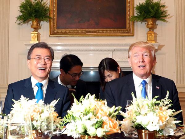 Pertemuan Presiden Korsel dan Donald Trump yang Serius Namun 'Buka-Bukaan'
