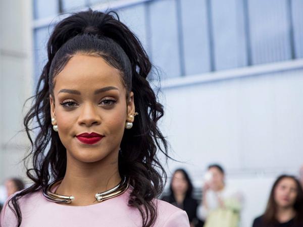 Tak Kunjung Rilis Album Baru, Rihanna Mulai Bosan Nyanyikan Lagunya Sendiri?
