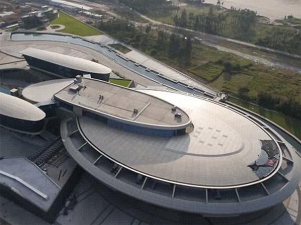 Keren! Kantor Ini Dibangun Persis Seperti Starship Enterprise di Star Trek!