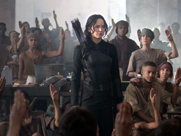 Jennifer Lawrence Bangkit Jadi Pilihan Rakyat Panem Dalam Cuplikan Terbaru Mockingjay Part.1