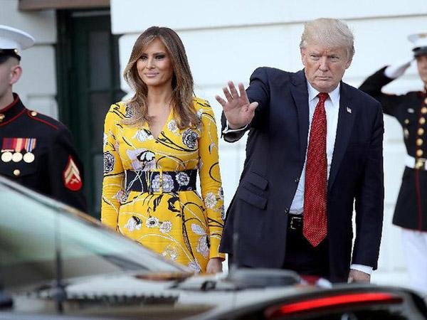 Viralnya Video Ketika Donald Trump Bingung Mencari Mobil Kepresidenan