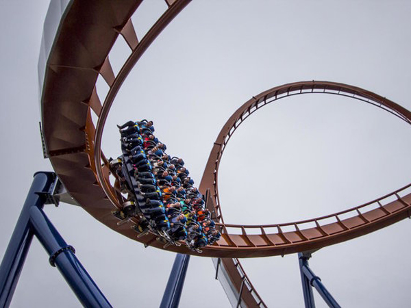 Terjun Paling Cepat, Roller Coaster Ini Diklaim Paling Ekstrim di Dunia