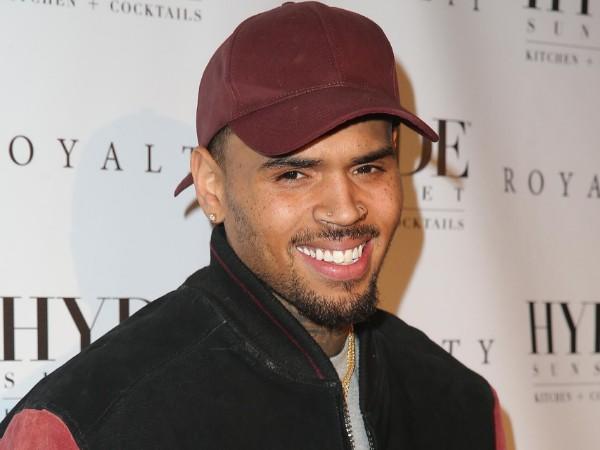 Bocoran Idola K-Pop yang Bakal Diajak Kolaborasi oleh Chris Brown