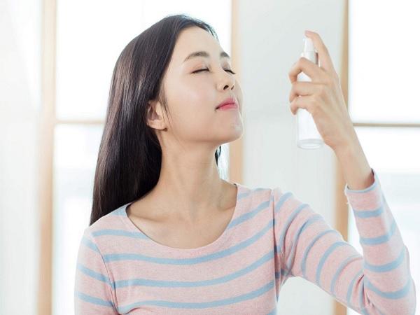 Trik Agar Makeup Tidak Menempel di Masker