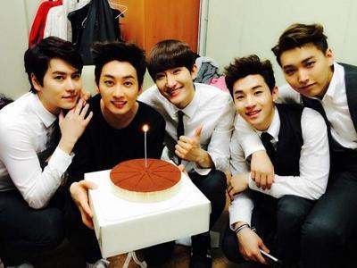 Eunhyuk Rayakan Ultah Bareng Super Junior-M dan Fans