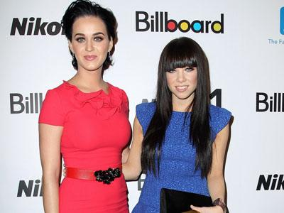 Katy Perry dan Carly Rae Jepsen Jadi MC di Grammy Awards 2013!