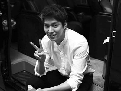Ups, Fans Ketahuan Bawa Kabur Sendok Bekas Lee Min Ho!