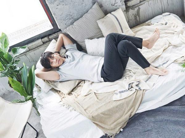Comeback dengan Lagu Emosional 'And Goodbye', Lee Seung Gi  Sapu Bersih Chart Musik!