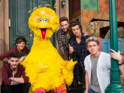 One Direction Siap Tampil Beda di Sesame Street!