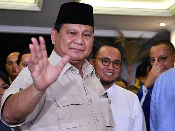 Jawaban Canda Prabowo Saat Ditanya Kapan Bertemu Jokowi Pasca Putusan MK