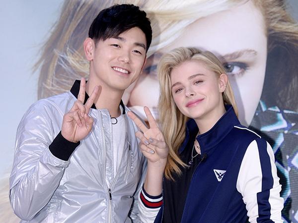 Bahas K-Pop Hingga Jajanan Korea, Ini Obrolan Seru Chloe Moretz dengan Eric Nam