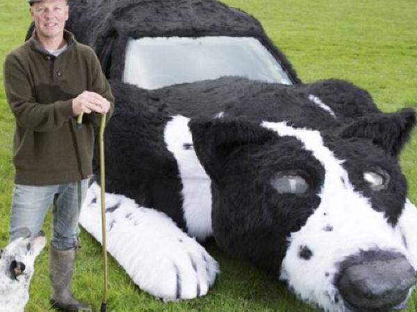 Ditinggal Mati Hewan Peliharaan, Petani Ini Ubah Mobilnya Jadi Anjing Gembala!