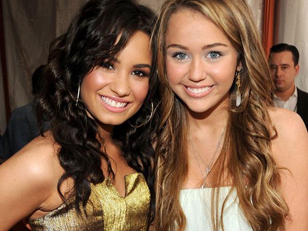 Tidak Berteman Lagi dengan Miley Cyrus, Ini Alasan Demi Lovato