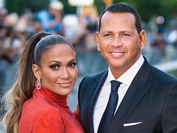 Hentikan Konser Sementara, Jennifer Lopez Beri Kejutan Ulang Tahun Romantis untuk Tunangan