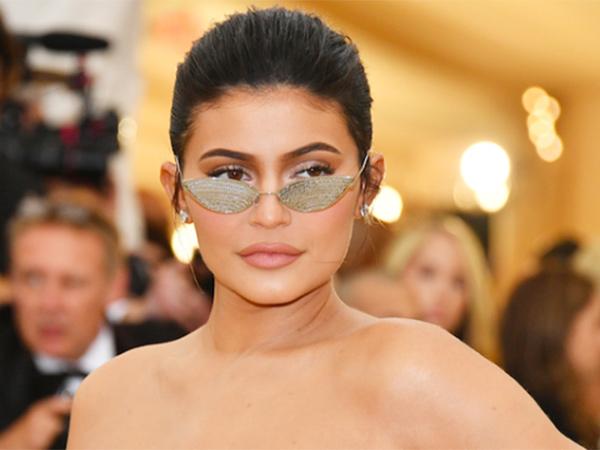 Gelar Miliuner Dicabut, Kylie Jenner Tetap Jadi Selebriti dengan Bayaran Tertinggi