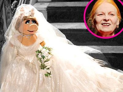 Wow, Vivienne Westwood Desain Gaun Pengantin untuk Karakter Film 'The Muppets'!