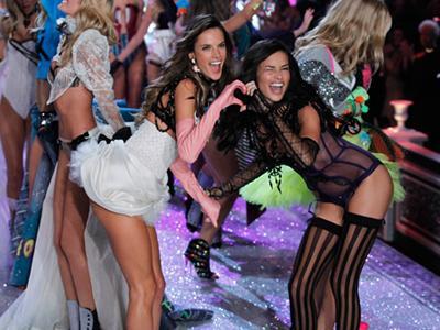 Daftar 'Angels' Yang Tampil di Fashion Show Victoria's Secret Tahun Ini