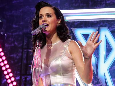Ssstt, Ini Ritual Khusus Katy Perry Sebelum Naik Panggung!