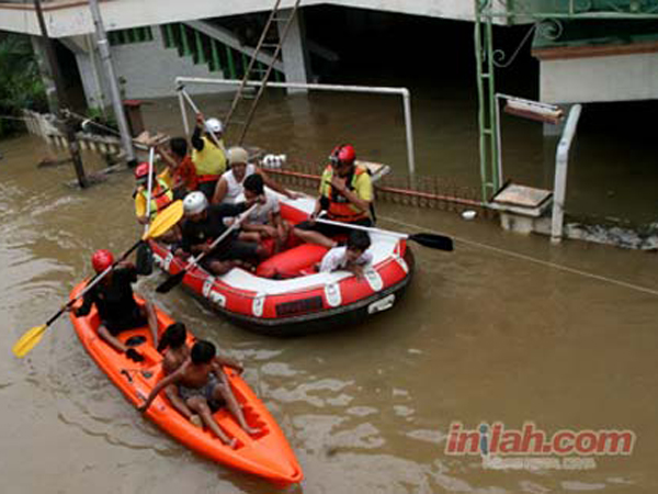 Siaga Banjir Jakarta, Sebanyak 3800 Personel Disiapkan Polda Metrojaya