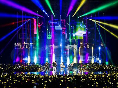 Konser Atraktif dan Penuh Cinta dari Big Bang di Hari Pertama (Part II)
