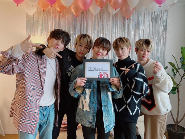 Boy Grup D1CE Ungkap Nama Fanclub Resmi