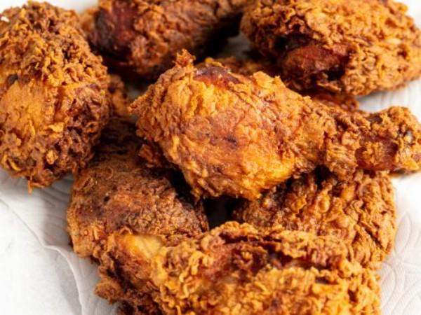 Penting! Inilah Cara Untuk Menghangatkan Fried Chicken Agar Tetap Renyah